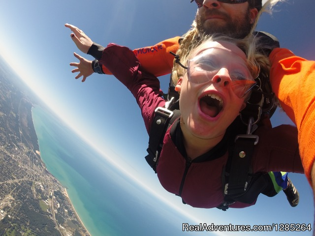 The best skydiving view - Skydive Windy City Chicago