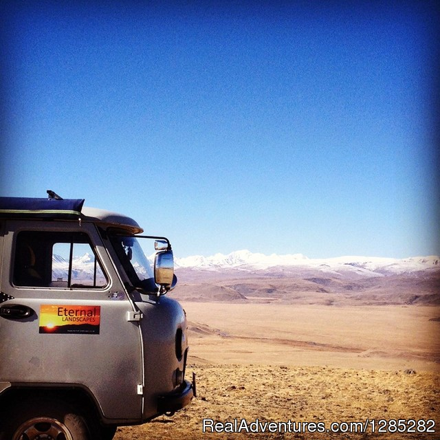 Take the road less travelled. Eternal Landscapes on the road - Local trips of discovery through the real Mongolia