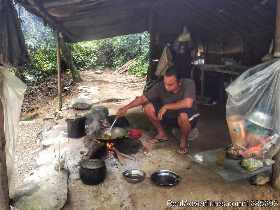 Cooking Activities Prefare For  Dinner | Image #5/7 | 10 Days Leuser National Park Expedition