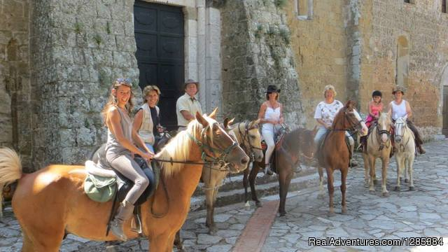 Horse Riding in Rome & Ranch Vacations in Italy
