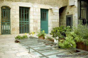 Superb Location + Garden. Suita: Sleep 3 Jerusalem, Israel Vacation Rentals