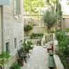 Superb Location + Garden. Suita: Sleep 3