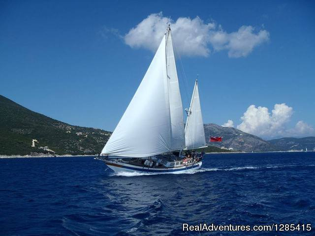 Fun Crewed Yacht Charter in San Blas