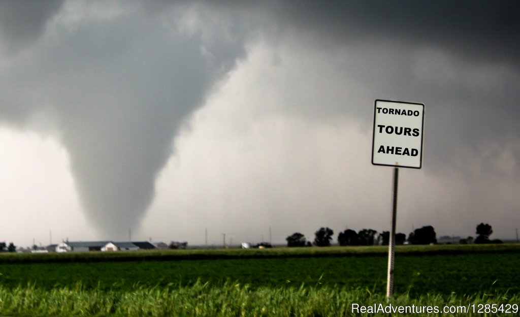 Experience the thrill | Image #2/4 | Tornadic Expeditions Storm Chasing Tours