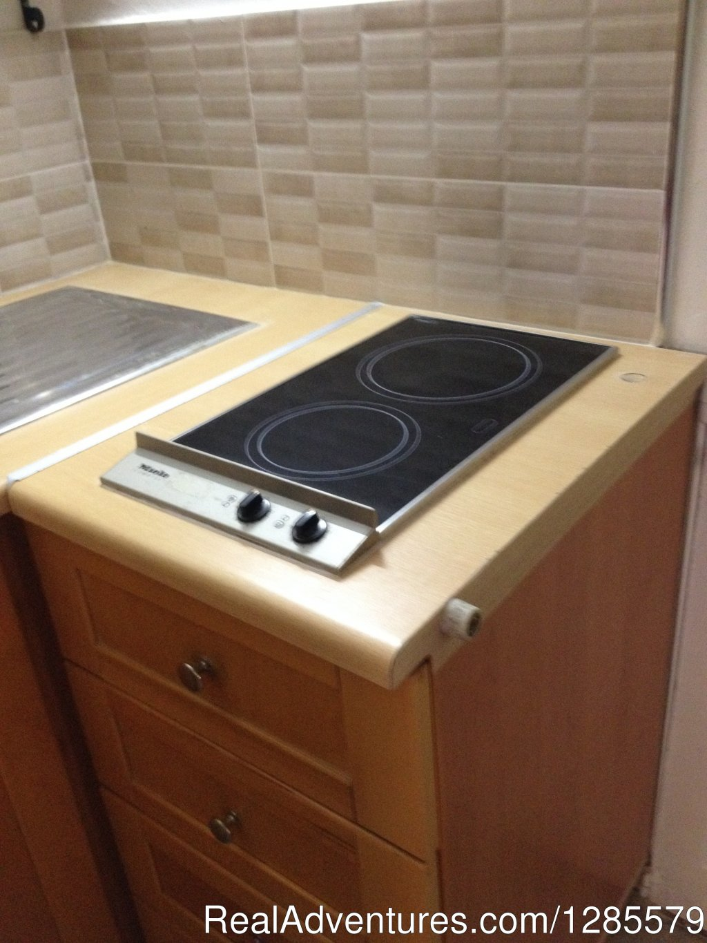 Fully equipped kitchenette. | Image #14/21 | Sliema Room Rent Malta
