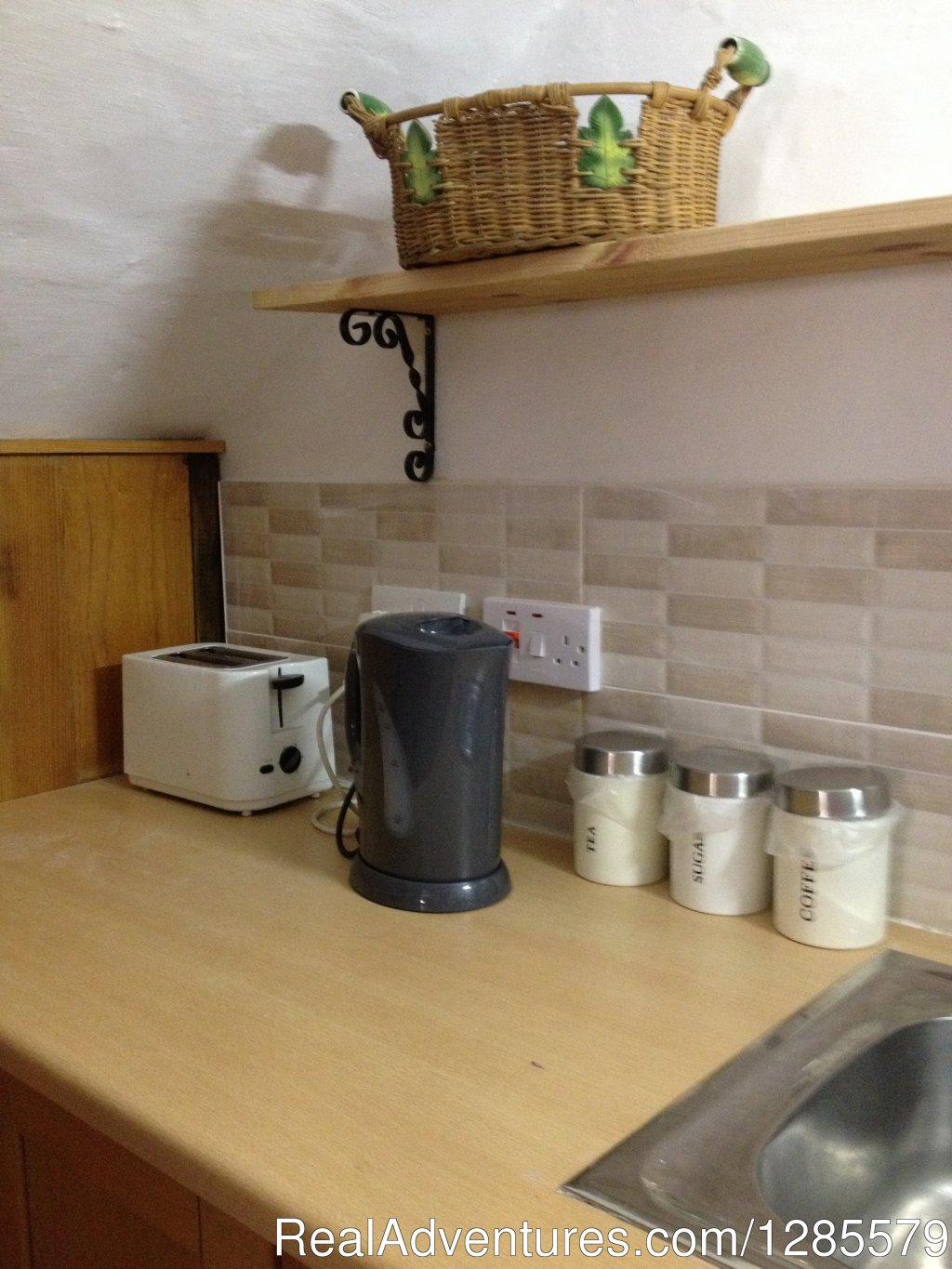 Fully equipped kitchenette. | Image #13/21 | Sliema Room Rent Malta