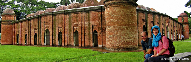 Largest mosque and UNESCO world heritage - Best of Bangladesh Tour
