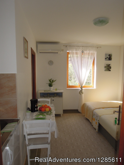 Spring Green Studio for 2 persons with double bed - Relaxing vacation in green and peaceful area