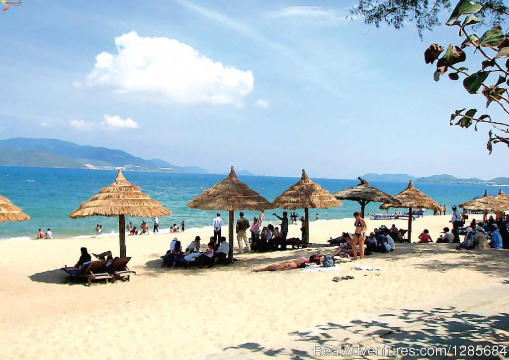 lying and sunbath in sunndays along Vietnam Coast | Image #15/19 | Vietnam highlight tours, Luxury Vacation Packages