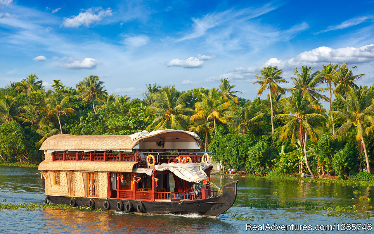 Image #1/1 | Ernakulam, India | Sight-Seeing Tours | Seasonz India Holidays Special Packages to Kerala