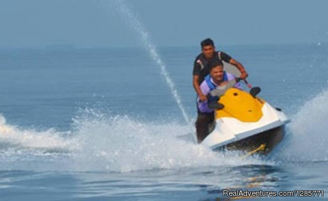 Jet-sfi Ride In Candolim-calangute , At Goa Water World - Scuba Diving and 20+ adventure water sports Baga.