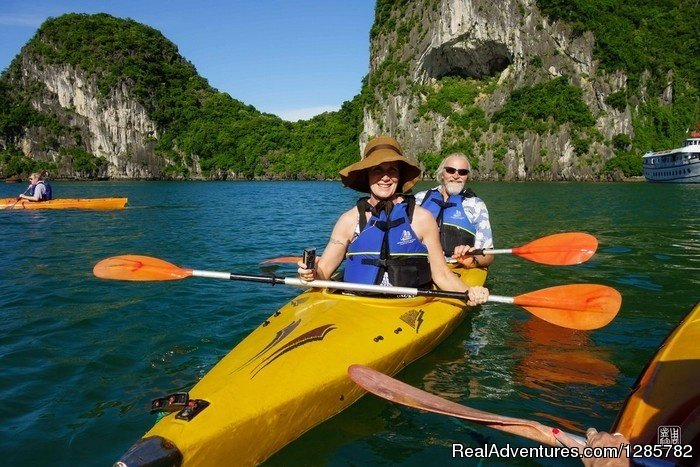 Enjoy kayaking in Halong bay