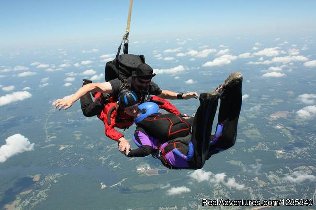 Tandem Skydiving at Virginia Skydiving Center Petersburg, Virginia Skydiving