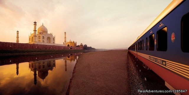 Indian Luxury Trains Dehli, India Train Tours