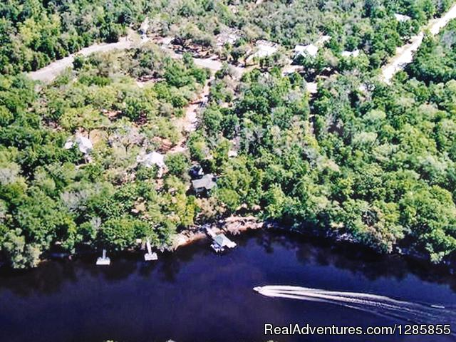 Luxury Suwannee Riverfront 3 Bed/3 Bath Home