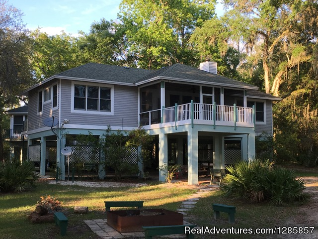 Luxury Suwannee Riverfront (up to)4 Bed/4 Bath