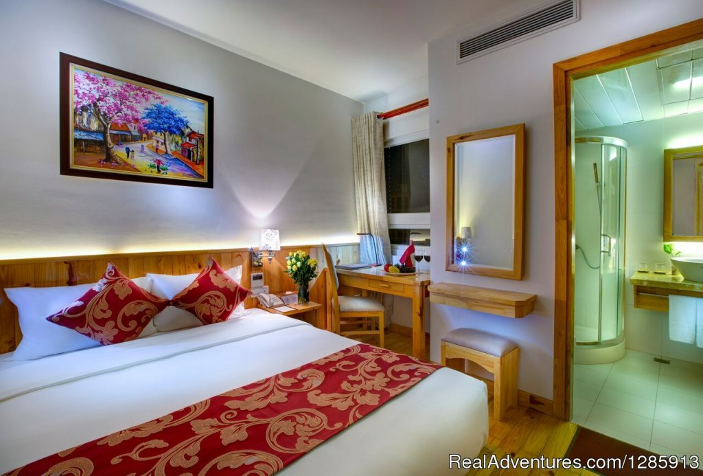 Viet View Hotel | Image #7/12 | Vietnam Classic tour 10days  from South to North