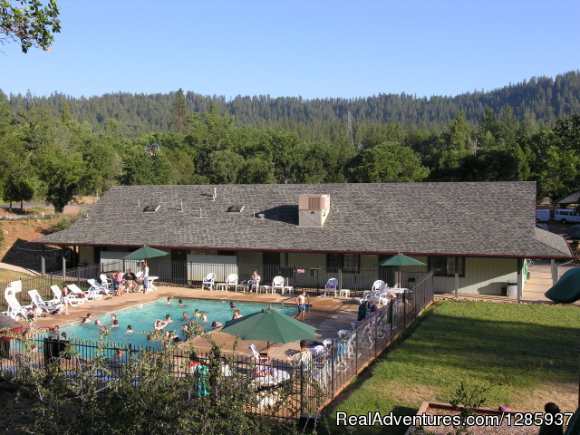 Yosemite Pines RV Resort and Family Lodging