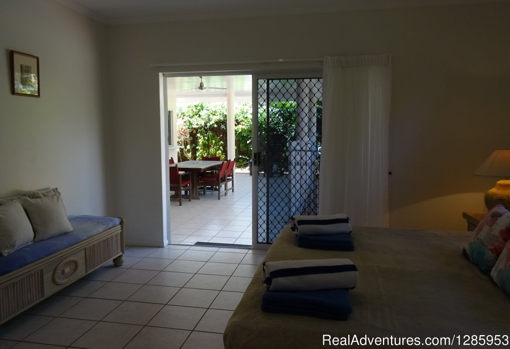 Image #3/11 | Palm Cove Holiday House $320 p/n Min Stay 5 nights