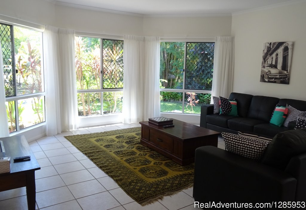 Image #10/11 | Palm Cove Holiday House $320 p/n Min Stay 5 nights