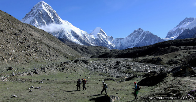 Mountain Kick- Adventure in the Himalayas