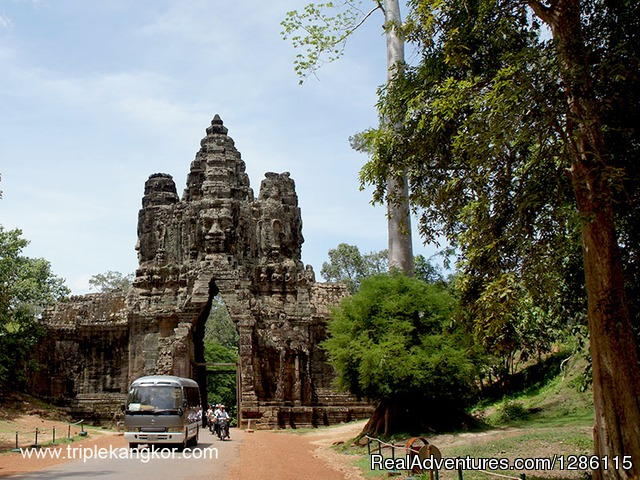 South Gate of Angkor Thom 01