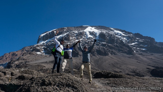 Climbing Mountain - Mountain kilmanjaro lemosho Route 10 Days