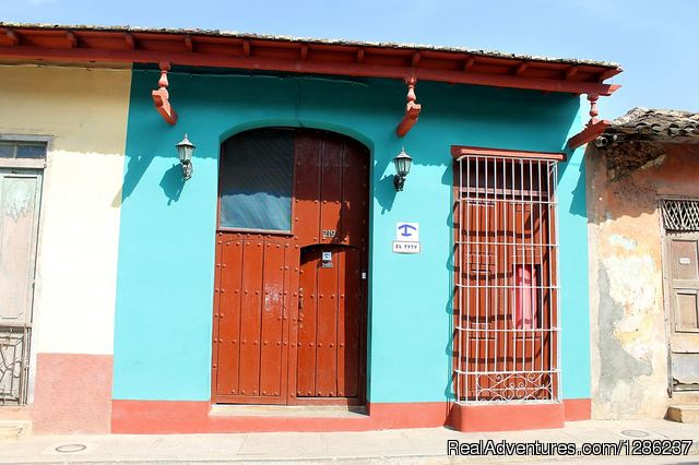 Hostal El Tyty rent 2 rooms in Trinidad, Cuba