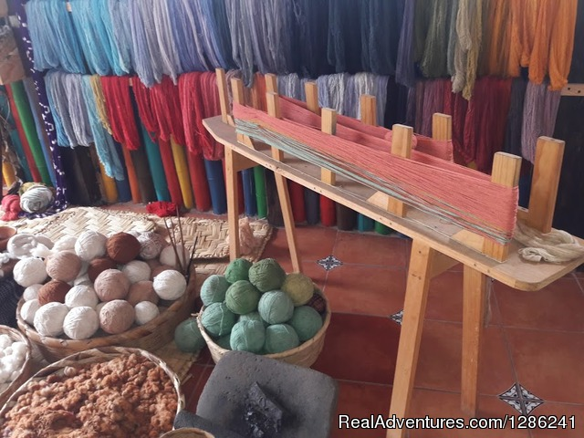 Ethical Fashion Lake Atitlan Weaving Workshop Natural Dyed - Ethical Fashion Guatemala Textiles Workshop