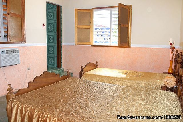 Hostal Isvety y Asnaldo Trinidad, Cuba Bed & Breakfasts
