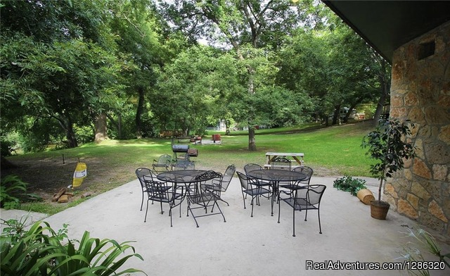 - Guadalupe River front vacation rentals @ River Rd