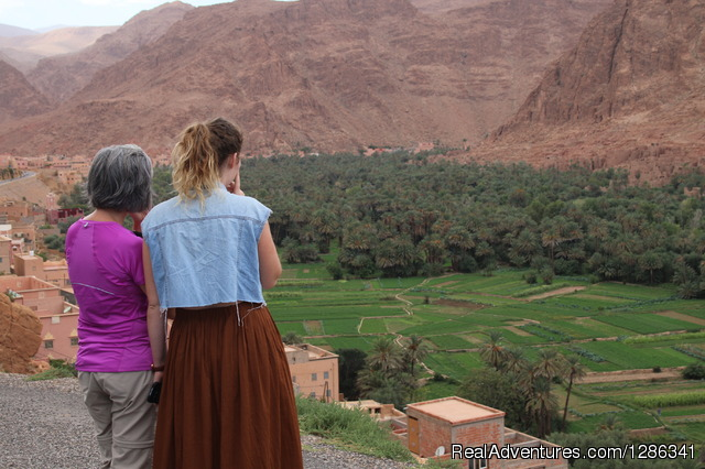 Enjoying the spectacular view - Morocco itineraries