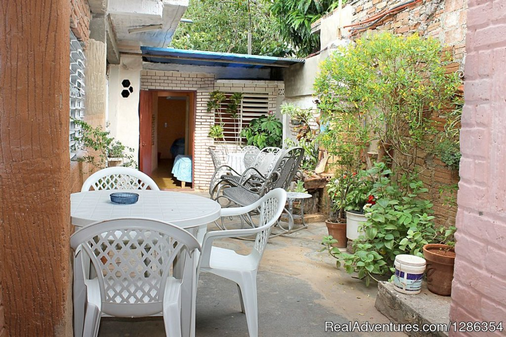 Located very close to the bus station ViAzul, the hostel Salet shares its family space to rent 2 private rooms with air conditioning, each with private bathroom, with permanent supply of hot and cold water. With a maximum capacity for 3 and 5 people