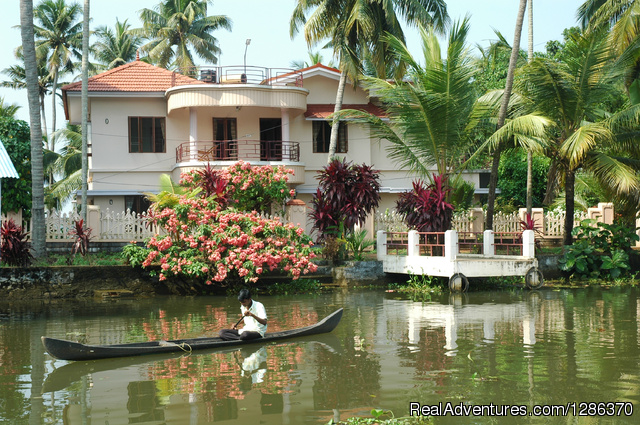 Explore The Real Kerala Family Experience Bed & Breakfasts Alleppey, India