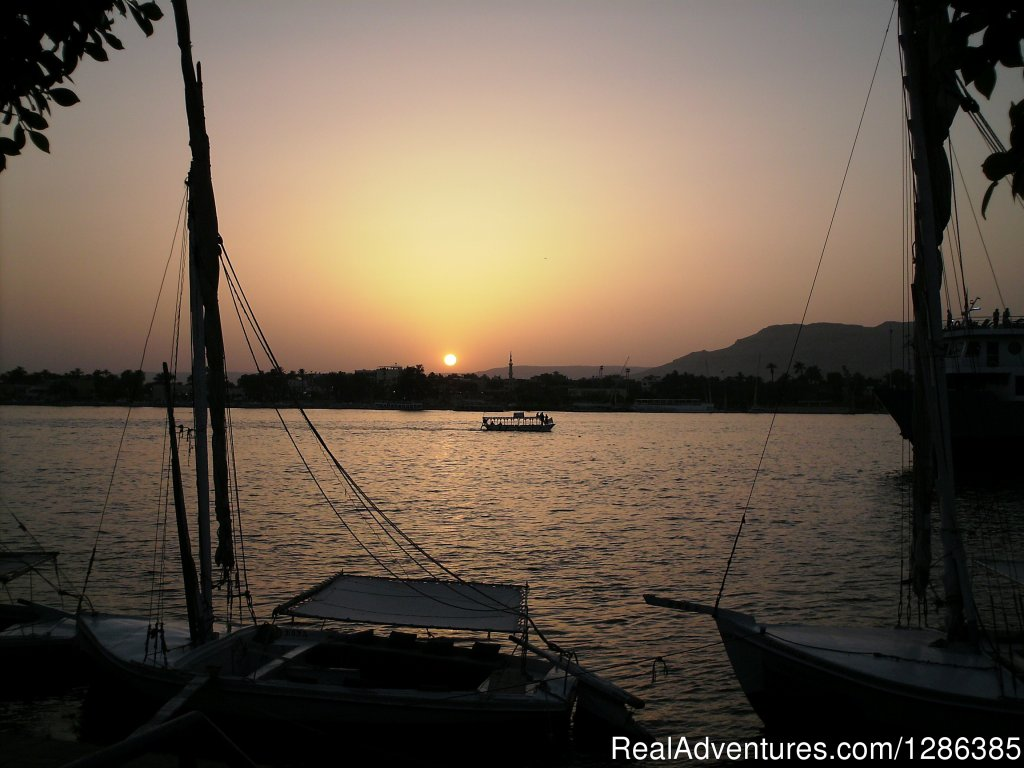 Luxor Egypt sunset | Image #4/10 | 7 Days 6 Nights Cairo, Aswan, Luxor Nile Cruise
