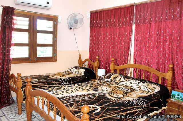- Hostal La Cana, independent house ...