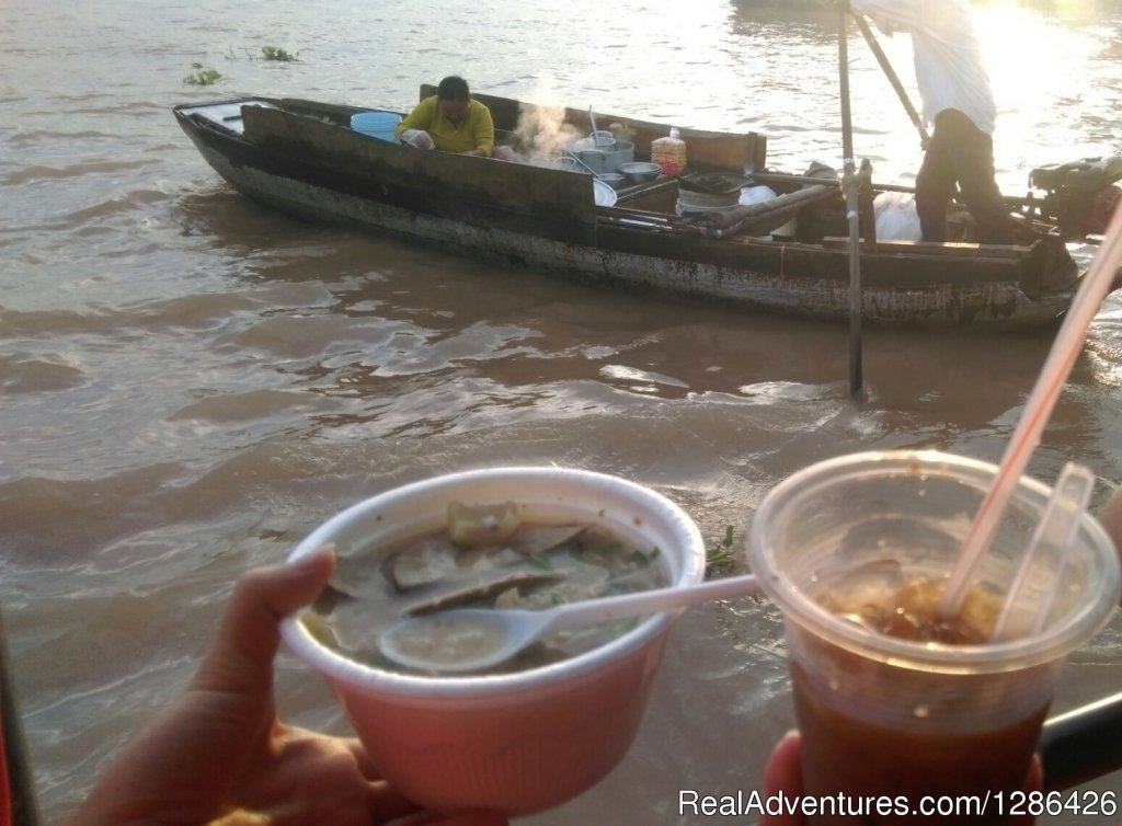 Breakfast on Cai Rang Floating Market | Image #5/10 | Saigon Private Tour
