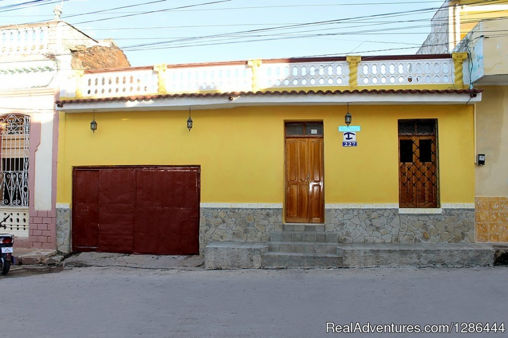 One of the most central rental houses in the city of Trinidad is the hostel Olga and Dionisio. Located just 30 m from the Plaza Carrillo, ETECSA which is a provider of wireless Internet services and telephony. Also very close to the currency exchange