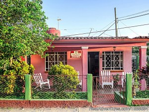 Hostal Villa Nelffis Villa, Cuba Bed & Breakfasts