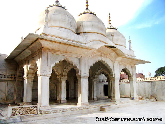 Moti Masjid Red Fort -Agra - Same Day Agra Tour