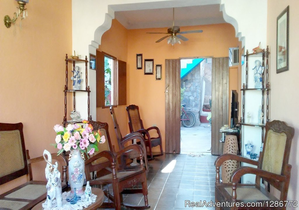 Image #1/6 | Abbeville, Cuba | Bed & Breakfasts | Hostal Julio's