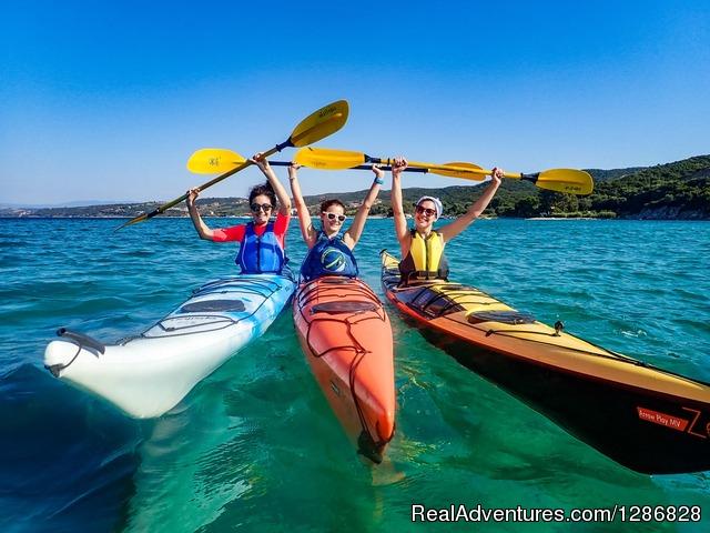 Kayaking in Halong & Lan Ha bay